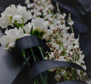 Где готовят тело покойного к похоронам в морге или дома?